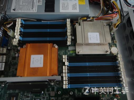 配置一:dell c11001u服务器平台:包括(机箱1个,主板1块,无散热器